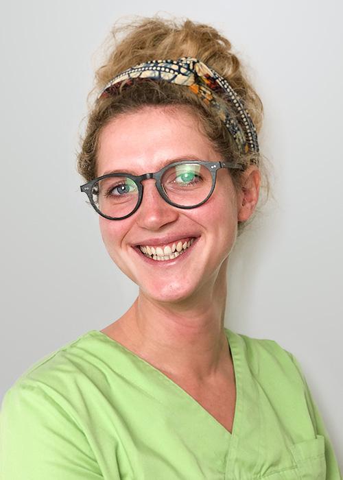Zahnärztin Lisa Zumpe Zahnarzt Halle