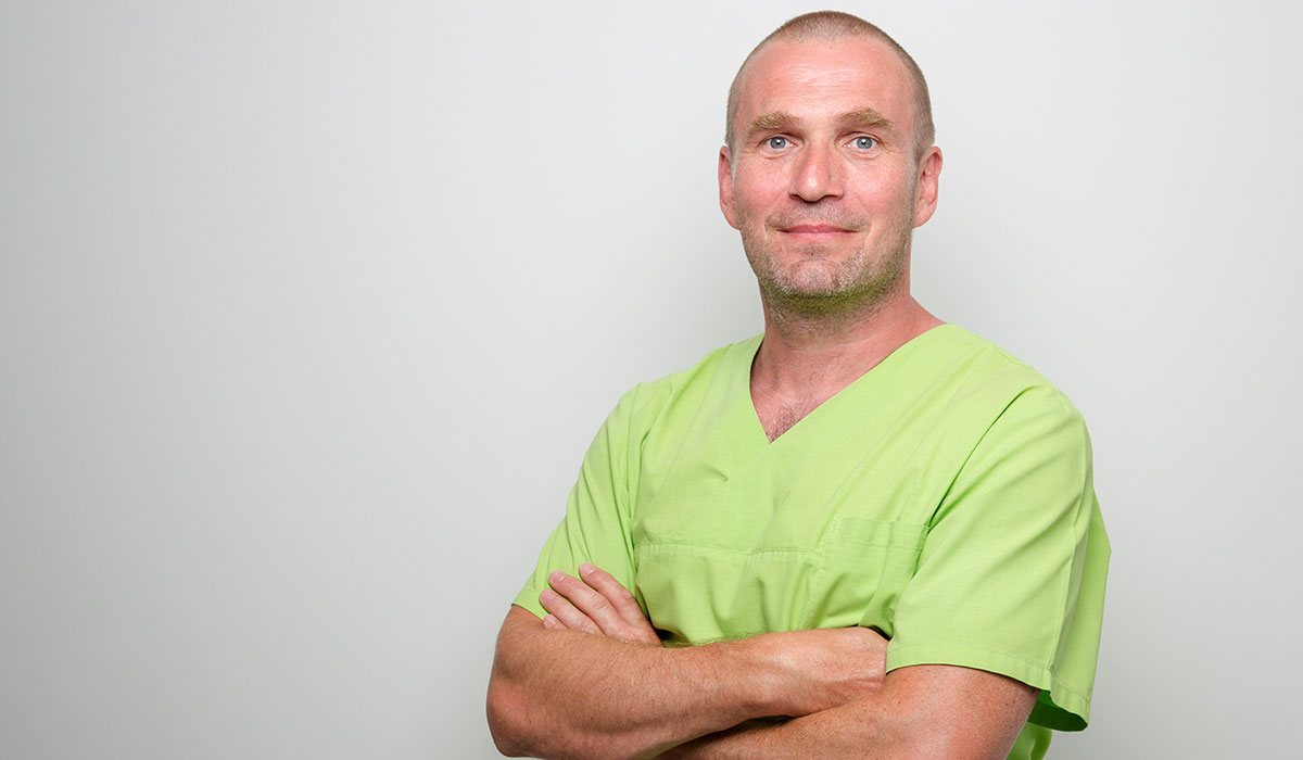 Dr. Buchmann sucht einen Zahnarzt in Halle (Saale) mit einem Stellenangebot.